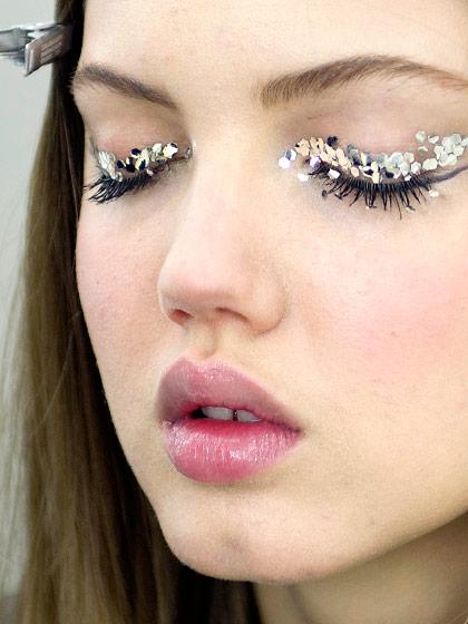 Синонимы макияж